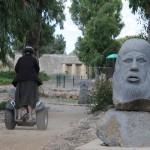 סגווי בגן הפסלים ליד מתחם וואסט